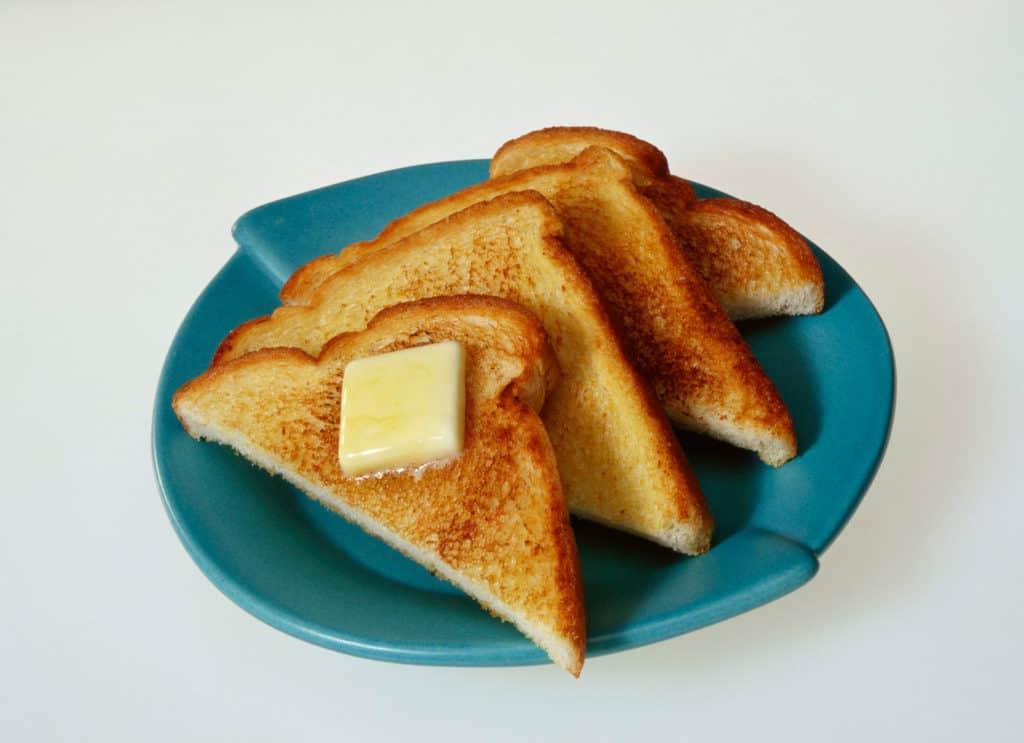 Vegane Butter auf Toast