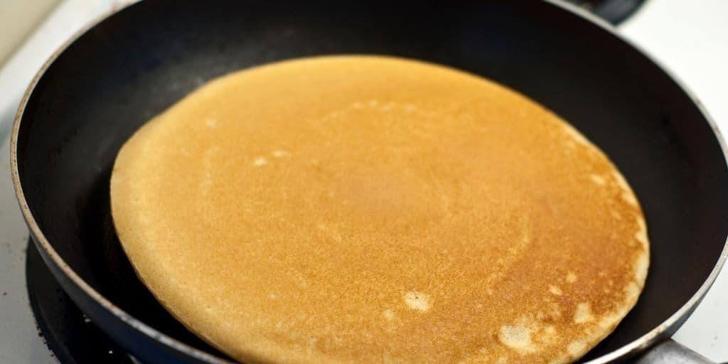 Wie man die veganen Pfannkuchen zubereitet